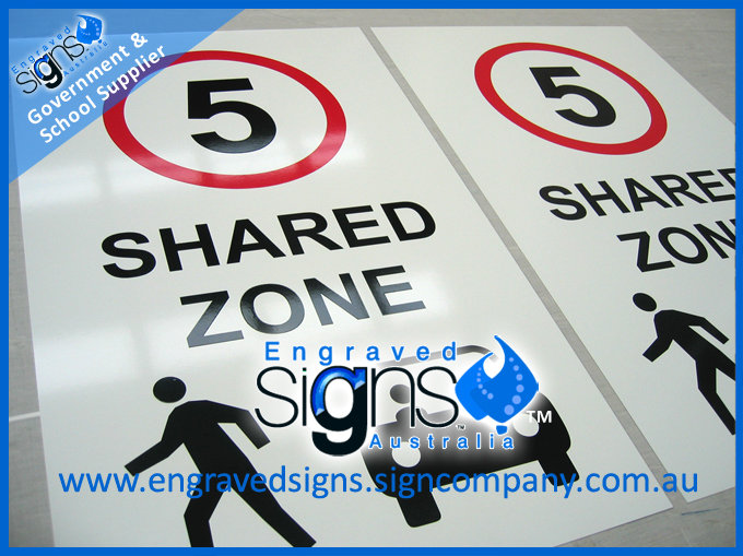 Schools speed zone sign Shared Zone 5 with pictograph and car symbol
